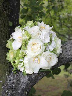 svatební kytice hortenzie, růže, frézie - Hledat Googlem