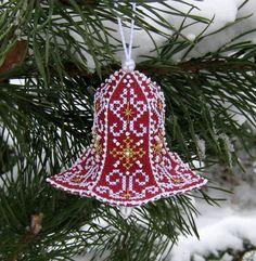 ...динь-динь-динь,   Колокольчик звенит...   Наконец-то я завершила свою новогодне-вышивальную эпопею. Ура!  Если честно, подустала немног... Beaded Christmas Ornaments, Christmas Cross, Christmas Diy, Christmas Decorations, Couture, Beautiful Christmas, Pin Cushions, Cross Stitch Patterns, Needlework