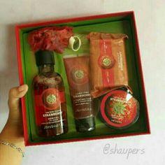 Saya menjual Strawberry Gift Set Small The Body Shop seharga Rp359.000. Dapatkan produk ini hanya di Shopee! https://shopee.co.id/shaumiiii/108458378/ #ShopeeID