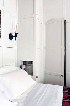Bedroom Cupboard Storage in Bedroom Design Ideas. Small white built-in bedroom cupboards and wardrobe. Bedroom design, decoration…
