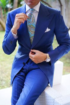 How to wear: blue suit, white dress shirt, aquamarine paisley tie, white Mens Wedding Ties, Wedding Suits, Guys Wedding Outfits, Mens Fashion Suits, Mens Suits, Designer Suits For Men, Paisley Tie, Herren Outfit, Well Dressed Men