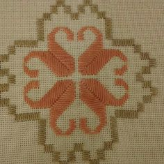 Galería Cross Stitch Material, Hardanger Embroidery, Le Point, Diy And Crafts, Rugs, Bath Towels & Washcloths, Railings, Chop Saw, Embroidered Towels