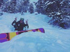 🏂✌️ #optoutside #snowboarding