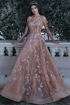 Wanna Evening Dresses,Prom Dresses in Tulle, A-line style, and delicate Appliques work? Babyonlinewholesale has all covered on this elegant Romantic V-neck Sleeveless Champagne Pink Prom Dresses Appliques Dresses Elegant, Pretty Prom Dresses, Pink Prom Dresses, Grad Dresses, Formal Dresses, Dresses Dresses, Quinceanera Dresses Peach, Light Pink Dresses, Mauve Prom Dress