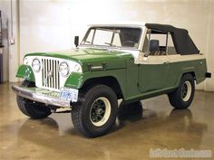 Willys Jeepster.