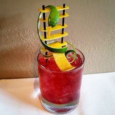 #mulpix Guess the game :P @persimmonri   #garnishart  #garnish  #cocktail…