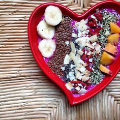 Health is about balance. It's about movement. Ease. Acceptance as you are. Non-judgement. How you spend your first waking moments sets the tone for the whole day, so I choose to start mine with a nourishing plant-filled breakfast prepared with love, and enjoyed with mindfulness. It makes a difference, and sets the right tone for healthier choices throughout the day. When I forget to be kind to myself, the heart bowl is always ...