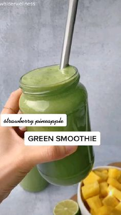Smoothie Diet Plans, Fruit Smoothie Recipes, Easy Smoothies, Detox Smoothies, Smoothie Bowl, Detox Drinks, Vitamix Green Smoothie, Strawberry Pineapple Smoothie, Spinach Smoothie Recipes