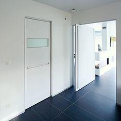 Pivoterende blokdeur van Anyway Doors.
