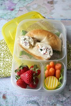 Stuffed Bagel Sandwiches - Family Fresh Meals I would make it with turkey instead of salami though. Cold Lunches, Lunch Snacks, Healthy School Lunches, Healthy Snacks, Lunch Box Recipes, Lunch Ideas, Meal Ideas, Boite A Lunch, Bagel Sandwich