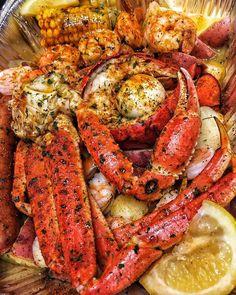 Crawfish Recipes, Seafood Boil Recipes, Cajun Recipes, Cooking Recipes, Haitian Recipes, Donut Recipes, Cajun Seafood Boil, Seafood Boil Party, Seafood Dinner