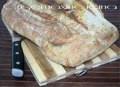 il pane casereccio di Bonci, realizzato con parte di farina integrale e parte di farina tipo 0, una lunga lievitazione e la magia è fatta! Quiche, Pane Casereccio, I Love Pizza, Ciabatta, International Recipes, Bread Baking, Street Food, Italian Recipes, Bread Recipes