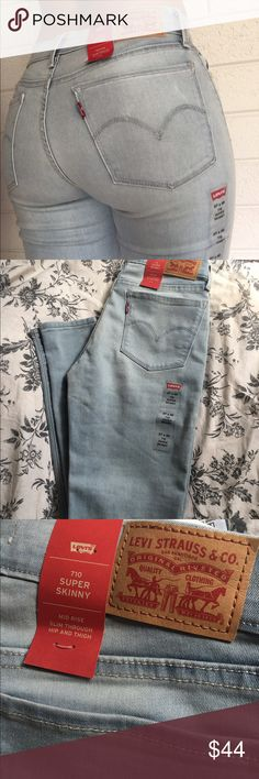 """Levis These light blue jeans is a must have for everyone's closet. Can be dressed up or dressed down! """"Mid rise"""" jeans   🔸New  🔸With tags  🔸10% discount when you buy 2 or more items.   🔹Offers welcome  🔹No Trades Levi's Jeans Skinny"""
