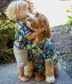 Reagan the Australian Labradoodle Dog with his Little Toddler Buddy Cuddle-Time - Aww, so Cute! Dogs And Kids, Animals For Kids, Baby Animals, Funny Animals, Cute Animals, Dog Love, Puppy Love, Cute Kids, Cute Babies