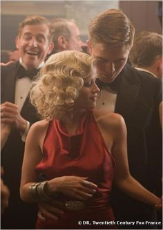 """Reese Witherspoon's wavy hair was pulled in a side-parting for the film """"Water for Elephants""""."""