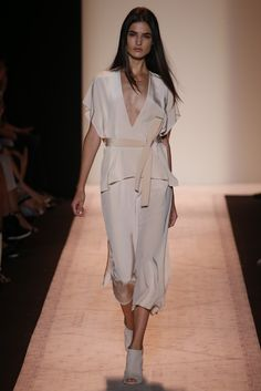 BCBG Max Azria RTW Spring 2015 - Slideshow - Runway, Fashion Week, Fashion Shows, Reviews and Fashion Images - WWD.com