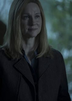 Trailers, images and posters for the second season of the crime drama series OZARK starring Jason Bateman and Laura Linney. Netflix Dramas, Netflix Series, Ozark Tv Show, Drama Series, Tv Series, Ozark Netflix, Janet Mcteer, Laura Linney, Mark Williams