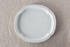 白磁鍔型皿 (九谷青窯)