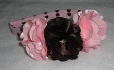 arco encapado com tricoline rosa poá marrom, flores de cetim, destalhe em strass