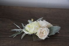 floral hair comb - would be cute to make for the bridesmaids! :D
