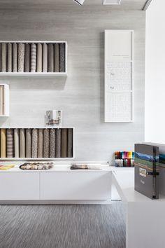 Moketino Living (Κηφισίας 228, Κηφισιά): Υφάσματα - Μοκέτες - Χαλιά - Δάπεδα - Ταπετσαρίες Τοίχου - Συστήματα Σκίασης - Κουρτινόξυλα / Fabrics - Carpeting - Rugs - Flooring - Wallcoverings - Window blinds - Curtain poles