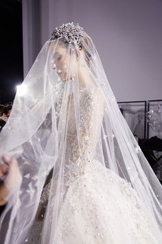 Gorgeous wedding veil, with beautiful Juliet bridal cap. Perfect Wedding, Dream Wedding, Luxury Wedding, Wedding Simple, Zuhair Murad Bridal, Chapel Veil, Vogue Beauty, Wedding Veils, Wedding Scene