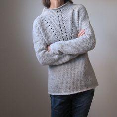 """Пуловер из толстой пряжи """"Прогулка по Луне"""", связанный сверху вниз без швов. Платное описание"""