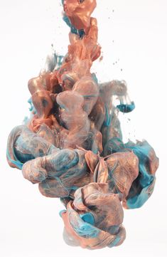 """After """"A Due Colori"""" and """"Disastro Ecologico"""" we bring you another amazing series of underwater ink photography by the Italian Alberto Seveso that gathers some of the artist """"unused"""" photos."""