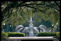 Savannah travel guide -- Savannah is my favorite place ever! I can't wait until Scott and I go back :)