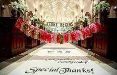 * バージンロードには2種類のガーランドを 二重で飾るととっても華やかに ✨ . ステキな文章と ピンクで統一されたひらひら揺れるタッセル。 さらにその下からは オリジナルのアイルランナーが 始まっているなんて豪華すぎます ❤️ . photo by @w_daiya #バージンロード #ヴァージンロード #チャペル #挙式 #結婚式 #タッセル #ガーランド #卒花嫁 #デコレーション #アイルランナー #装飾 #卒花 #結婚式準備 #プレ花嫁 #marry #marryxoxo