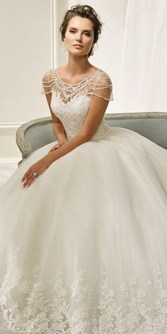 Fantastic Tulle Scoop Neckline Ball Gown Wedding Dress With Beadings & Lace Appliques #weddingdress