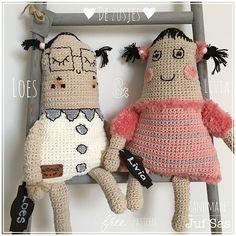 Crochet Art, Cute Crochet, Crochet Patterns, Softies, Free Pattern, Dinosaur Stuffed Animal, Kawaii, Stitch, Crochet Dolls