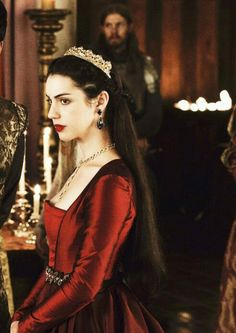 Find images and videos about girl, accessories and princess on We Heart It - the app to get lost in what you love. Reign Mary, Mary Queen Of Scots, Queen Mary, Adelaine Kane, Marie Stuart, Reign Dresses, Reign Fashion, Princess Aesthetic, Lady