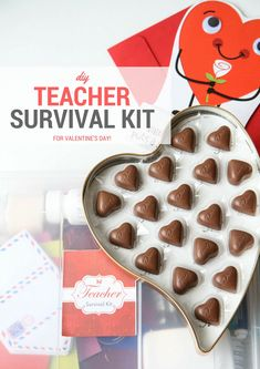 Treat your teacher with a few essentials for her desk with this DIY teacher survival kit. This has a FREE printable that you can print out! This gift is perfect for Valentine's Day