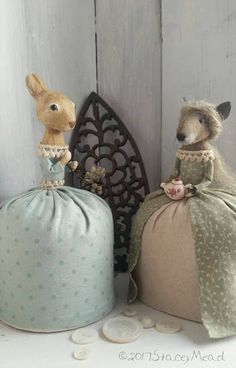 The Goode Wife of Washington County: Life's Pace  ©2017 Stacey Mead  Primitive mouse Paperclay rabbit