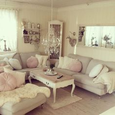 Romantic Shabby Chic Living Room Decor Ideas (12)