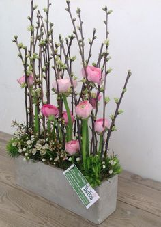 ...lovely arrangement -- fleurig parallel bloemstuk...