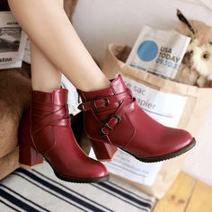 28.80$  Watch more here - http://ai3xw.worlditems.win/all/product.php?id=32762087201 - Plus size 32 to 43 women high quality buckle strap martin boots lady wine red party and casual boots female high heel winte boot