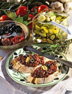 Unser beliebtes Rezept für Knoblauch-Oliven-Aufstrich und mehr als 55.000 weitere kostenlose Rezepte auf LECKER.de.