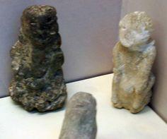 Çatal Höyük. Seated goddesses.