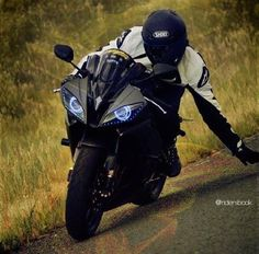Yamaha Parking Only Futuristic Motorcycle, Motorcycle Helmets, R15 Yamaha, Motorcross Bike, Motorbike Design, Cafe Racer Bikes, Sportbikes, Riding Gear, Motorbikes