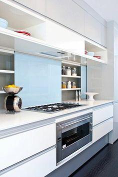 Zoom on kitchen trends 2019 - Home Fashion Trend Kitchen Living, Diy Kitchen, Kitchen Decor, Kitchen Cabinets, Soapstone Kitchen, Kitchen Countertops, Living Room, Kitchen Room Design, Interior Design Kitchen