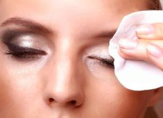 Spending money on a eye makeup remover and then having the product burn your eyes is just a waste of money. The best answer is to make the eye makeup remover at your home. All these recipes are safe, all-natural and will not make your eyes burn. Best Eye Makeup Remover, Homemade Makeup Remover, Natural Makeup Remover, Makeup Remover Wipes, Makeup Wipes, Makeup Brushes, Mascara Waterproof, Home Remedies, Useful Tips