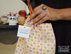 """También tenemos bolsitas de mano con nuestro print """"Istmo""""🌺🍄 ¡Felices Muertitos! 💀🎉 #kinokeate #consumelocal #diademuertos #floral #diseñomexicano #design #bag #pattern #print #serigrafia #lovedesign #textiles #textiledesign #colors #oaxaca #cultura"""