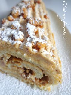 This is my batch: Bûche praline with bursts of caramelized hazelnuts (Michalak) Log Cake, Cake Recipes From Scratch, Bread Cake, Christmas Cooking, Christmas Recipes, Holiday Cakes, Sweet Recipes, Cupcake Cakes, Sweet Tooth