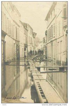 Dép 17 - Inondations - D474 - Saint Savinien - Rue du Centre - Carte photo - état