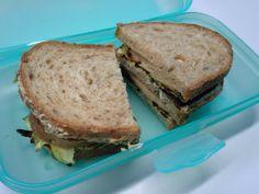 DIESES Pausenbrot von Steffi hätte ich auch mal gern! Toll belegt mit gegrillten Zucchinischeiben, Hummus und Soyanda... mmmmh