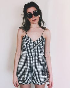 the sun's back! My good mood is a little late in returning with it. What the heck am I gonna do in London lol yikes Dodie Clark, Shane Dawson, Celebs, Celebrities, We The People, Good Mood, Capsule Wardrobe, Role Models, Pretty People
