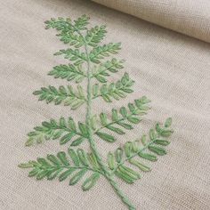 #나무#프랑스자수 #자수수강 #송도자수샾 #소품판매 #선물 #테이블매트#embroidery #hadecrafted #stitch #decoration #gift #handmade #tree #tablemat