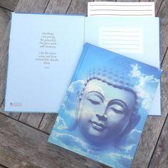 NY I SHOPPEN: Eksklusiv og miljøvenlig notatbog til dine drømme kursus-notater dine inderste tanker digte visioner eller rejsebeskrivelser! Er den ikke skøn? kr. 59- Link i profil #webshop #notesbog #blankesider #buddha #miljøvenlig #blå #skyer